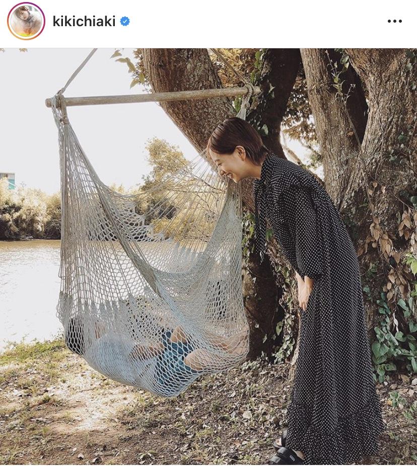 伊藤千晃、お昼寝する息子を笑顔で見つめるSHOT公開に「お母さんの顔」「天使すぎる」の声