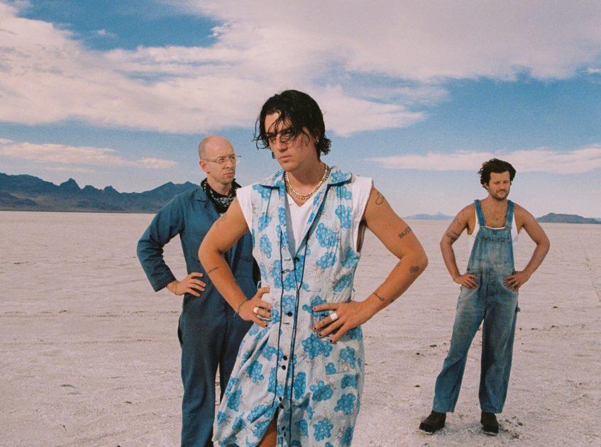 LANY、新曲「カウボーイ・イン・LA」をリリース&同曲収録のニュー・アルバムは10月2日に発売サムネイル画像