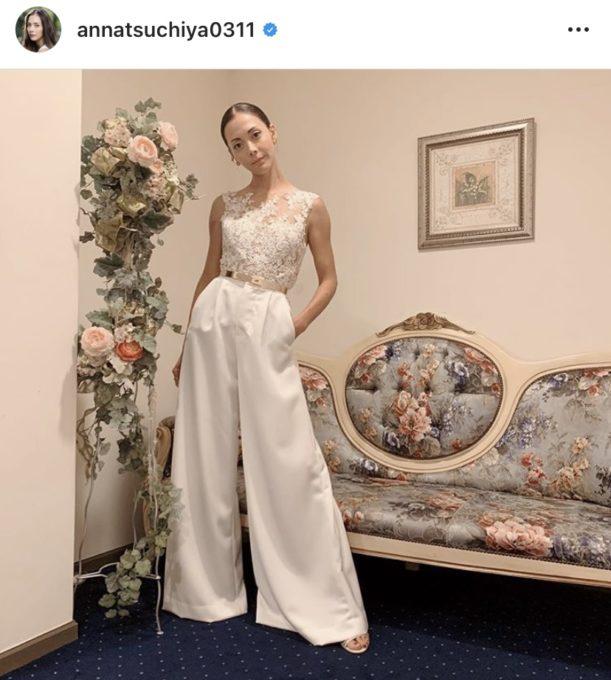 「カッコいい」」土屋アンナ、パンツスタイルのウェディングドレスSHOTに絶賛の声「素敵さが凄い」