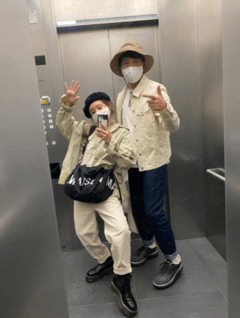 """高橋愛、夫・あべこうじと""""偶然のリンクコーデ""""「同じような格好をしていて…」サムネイル画像"""
