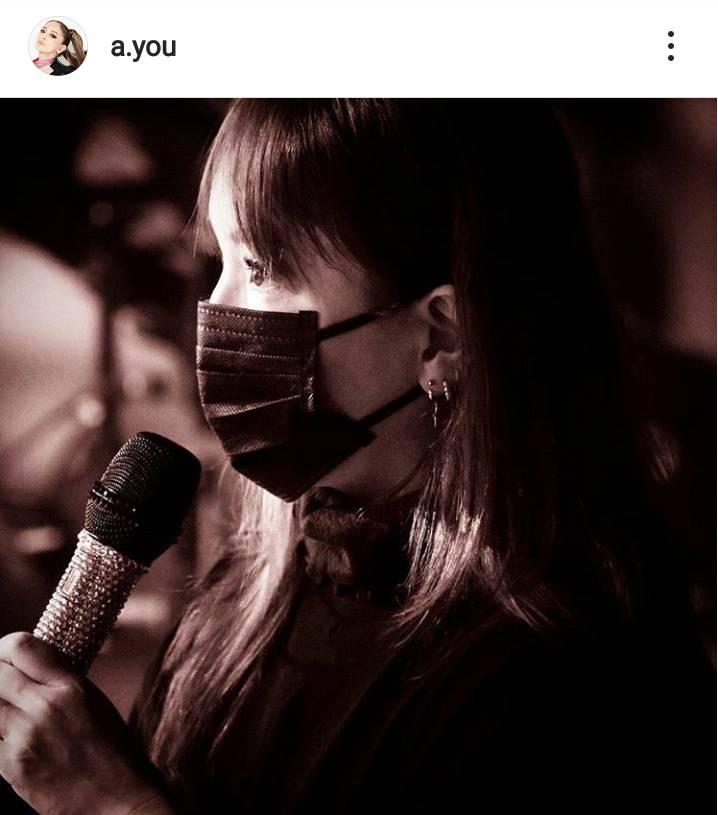 浜崎あゆみ、黒マスク姿の横顔SHOT公開&配信ライブへの思い綴る「言葉を並べての説明は嫌いなので…」