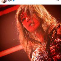 浜崎あゆみ、舌ペロ&投げキスのステージSHOT公開にファン悶絶「なんて可愛いの」