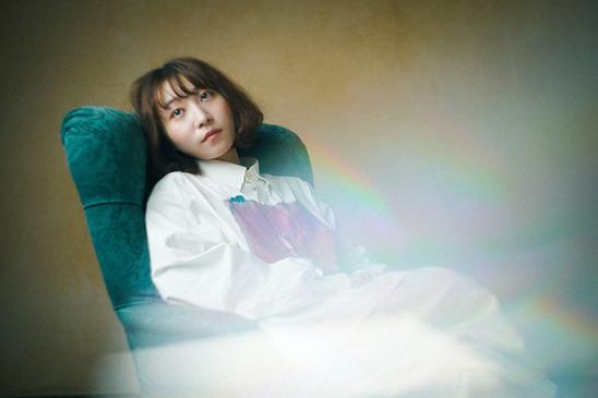 果歩、全曲弾き語り音源を収録したEP『女の子の憂鬱』から「楽園」のミュージックビデオを公開