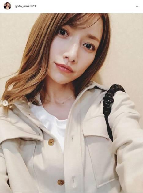 後藤真希、ゆる巻きヘア×秋ファッションの微笑みSHOT公開し「いつも美しい」「絵になってますね」の声サムネイル画像