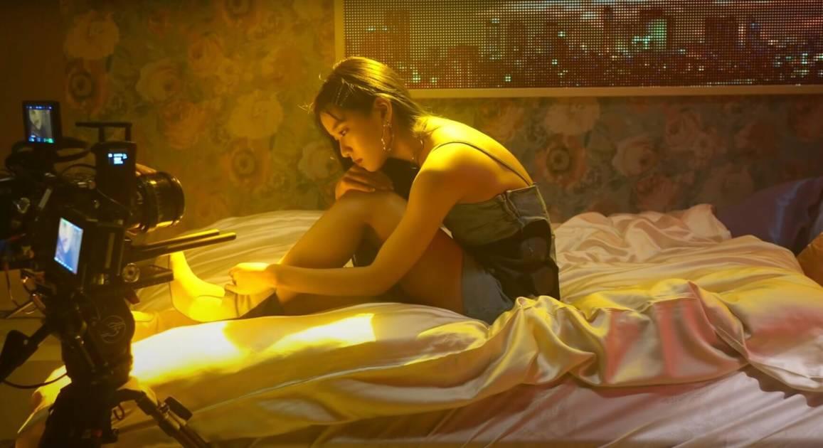 Hina(FAKY)、新曲『ダーリン (Prod. GeG)』のMV撮影に密着した動画が公開サムネイル画像