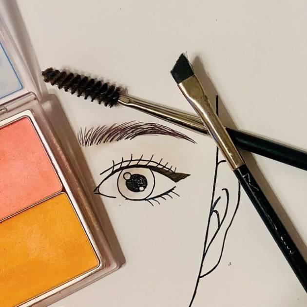 垢抜けポイントは眉毛にチーク!プロが教える秋っぽ眉の作り方☆サムネイル画像