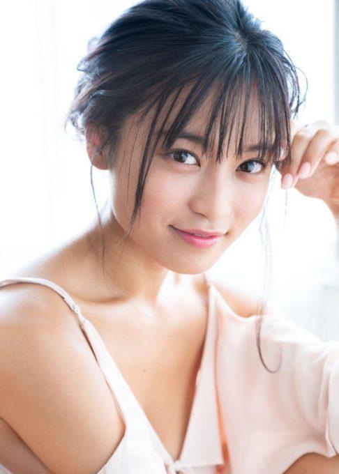 小島瑠璃子、ファーストサマーウイカを指原莉乃と共にライバル視?「度胸がハンパじゃない」