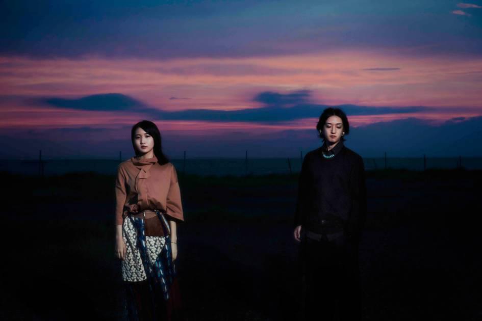 YOASOBI、デビュー曲「夜に駆ける」のYouTubeのMV再生数が1億回を突破サムネイル画像