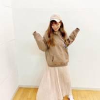 """AAA宇野実彩子、ゆるふわヘアの""""萌え袖""""SHOTに「可愛すぎる」「きゅんとしました」の声"""