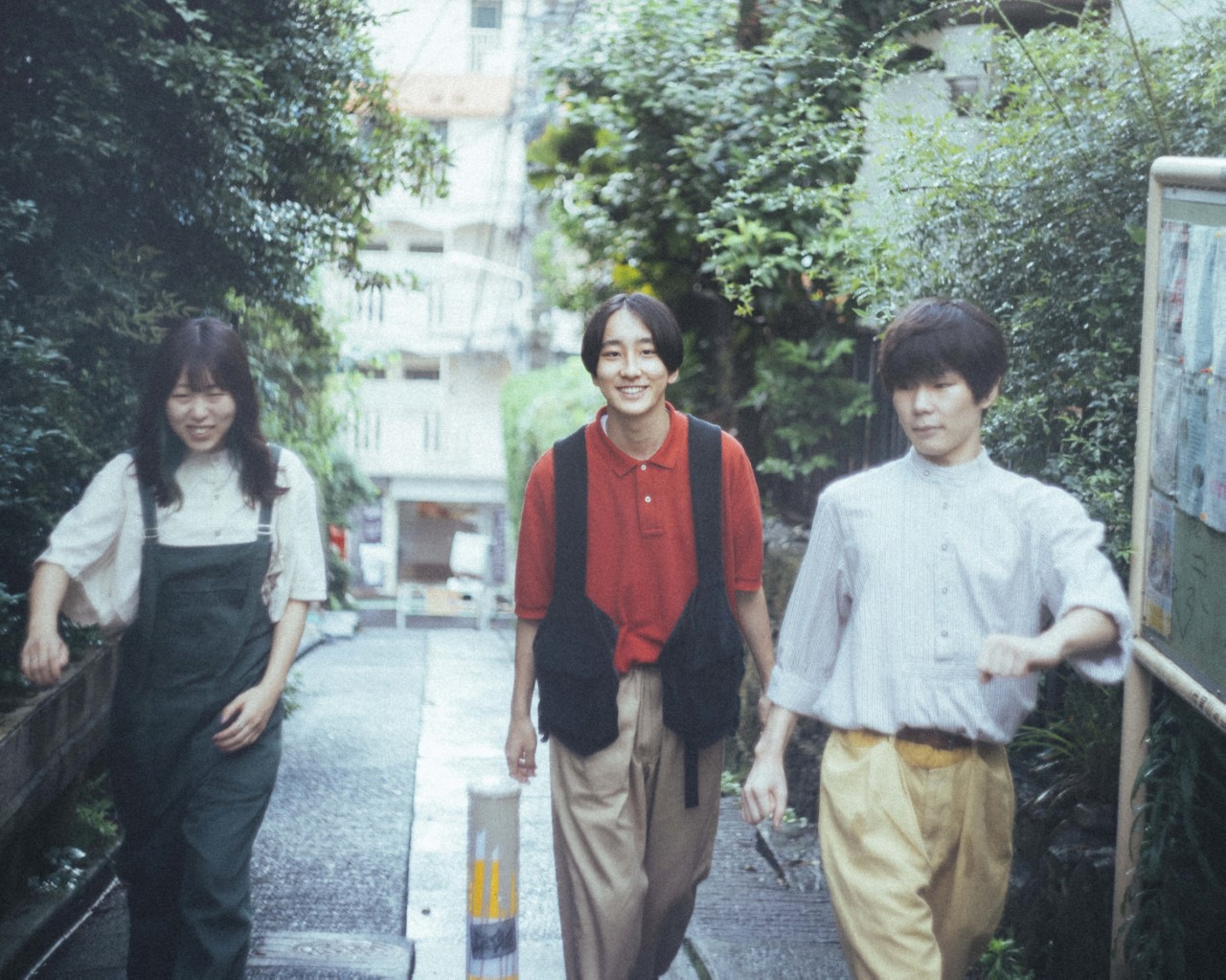 リュックと添い寝ごはん、12月9日発売1stアルバム「neo neo」 収録曲&ジャケット写真発表