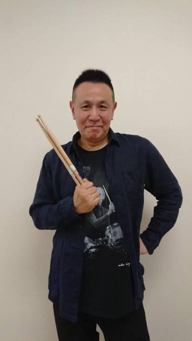 話題の青春ムービー『鬼ガール!!』の音楽プロデューサーを務めた、元THE BLUE HEARTSの梶原徹也が、同作品への思いと伝説のバンドについて語る