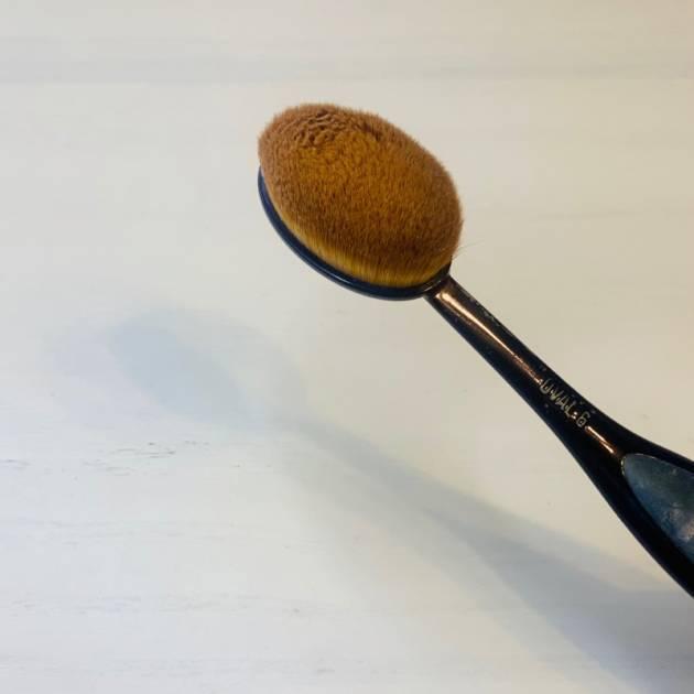 歯ブラシみたいな形のメイクブラシ!