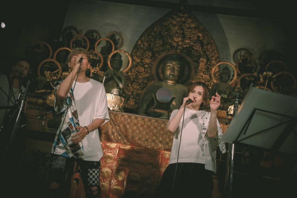 アベンジャーズ的バンド、クレイユーキーズ、初の配信ワンマンライブ「クレイユーキーズ with yui@即成院」が再放送決定!新曲『サヨナラSAY GOODBYE with yui』も11月22日に配信リリースサムネイル画像