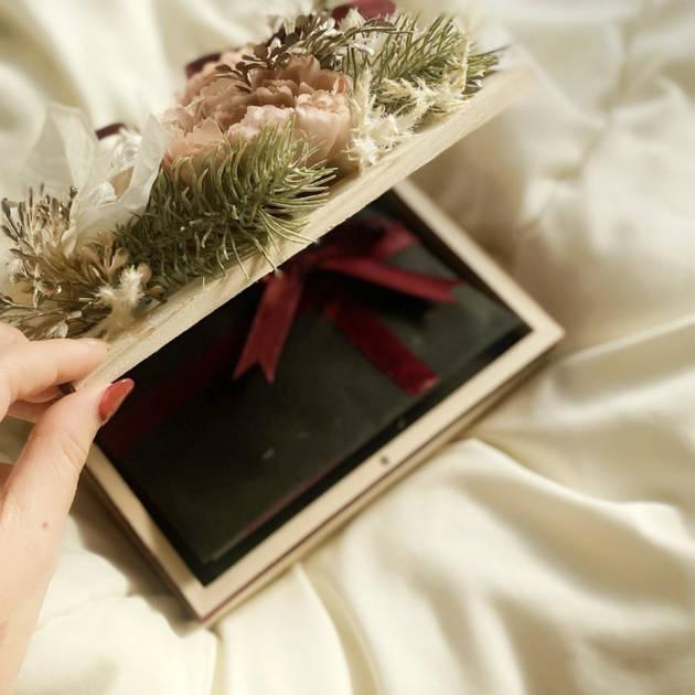 【プロが教える】ALL税別5,000円以下!クリスマスギフトにピッタリのデパコスコスメ達サムネイル画像