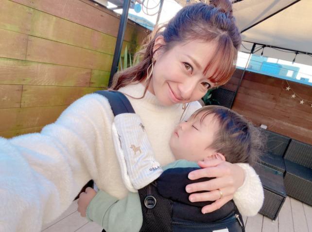 「可愛すぎるやろぉぉぉぉ」辻希美、三男&次男のくっつき寝2SHOT公開