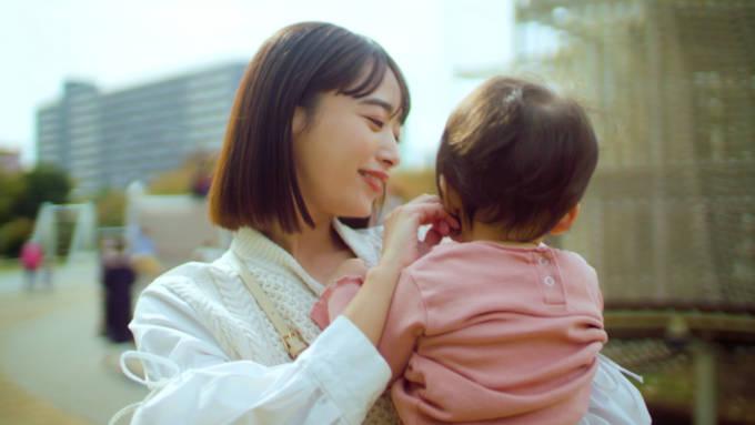 人気モデル・近藤千尋が2人の愛娘と一緒に初のCM撮影!『すっぽん小町』新CM放映開始