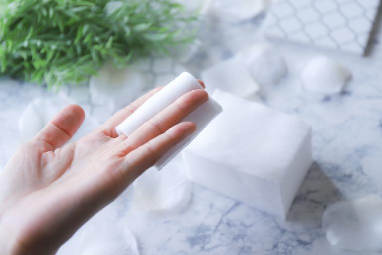 【プロが教える】超簡単に乾燥対策!いつもの化粧水とコットンでフェイスパック!サムネイル画像