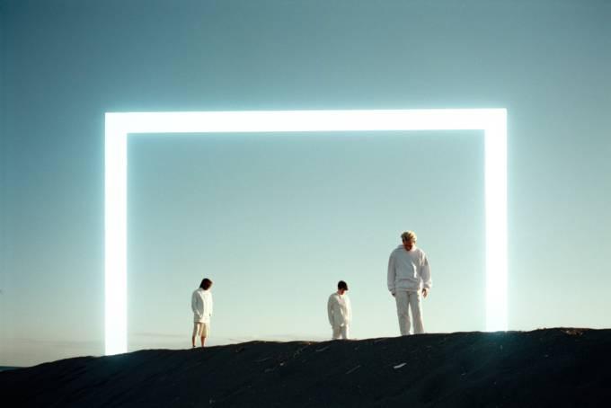 廃墟系POPユニットcadode、来年公開の映画『味噌カレー牛乳ラーメンってめぇ~の?』の主題歌に決定