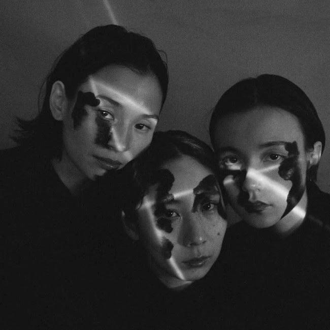 Black Boboi、ニューアルバム「SILK」のDLコード付きフィジカルの販売&グッズ受注が開始