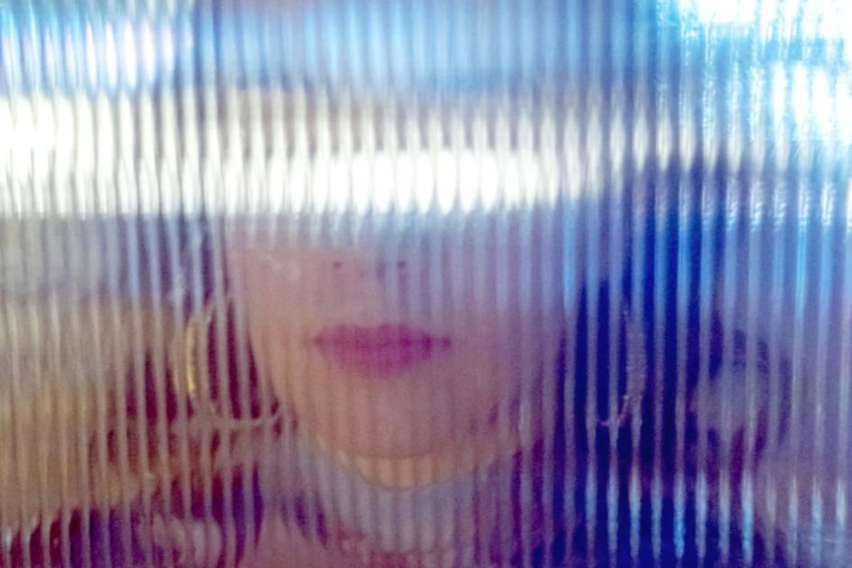 G.RINA、BIMをゲストに迎えたクリスマス・ソングをリリース&MVも一部公開サムネイル画像