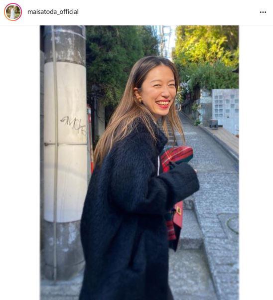 「べっぴんさん」里田まい、リップメイクの笑顔SHOTに反響「高校生に見えちゃいました」