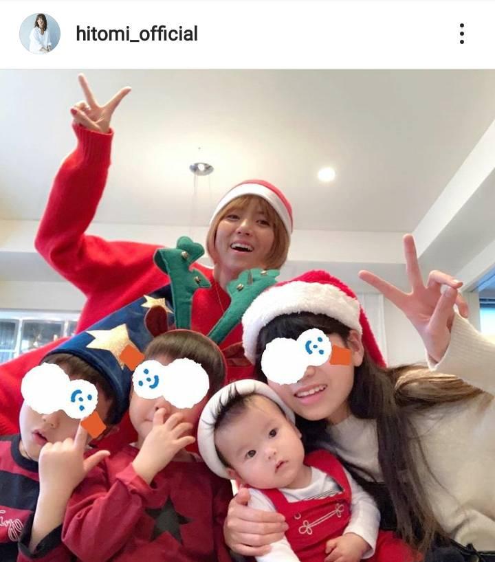 "hitomi、姉弟集合の""クリスマス5SHOT""公開し反響「素敵な家族」「いい笑顔」"