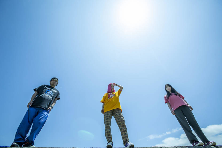 Dizzy Sunfist、最新EP全曲配信&TVアニメ『EX-ARMエクスアーム』エンディングテーマ「Diamonds Shine」MV公開スタートサムネイル画像