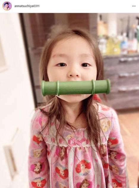 """土屋アンナ、""""うちの禰󠄀豆子""""な長女の写真に反響「めちゃ可愛い」「優勝です」"""