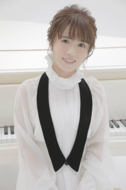 藤田麻衣子、15周年記念・弾き語りリクエストベストアルバム発売決定サムネイル画像!