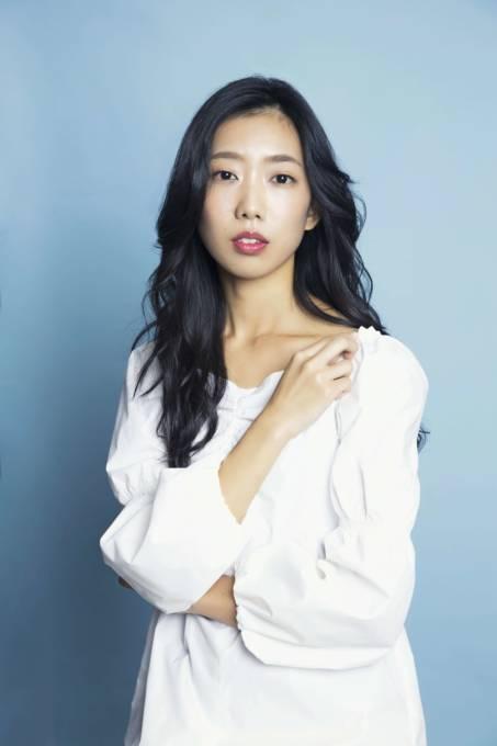 """ナミヒラアユコ、2ndアルバム""""薄明光線""""より『Prism』の先行配信&Short MV公開"""