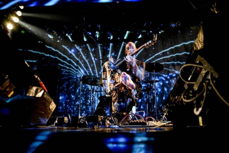 亮弦-Ryogen-、5年ぶりとなる2ndアルバム『PHOENIX IN THE SPACE』をリリースサムネイル画像