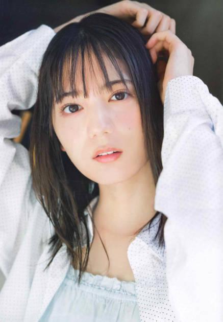 """日向坂46・小坂菜緒、""""さよなら制服""""メモリアルSHOT公開サムネイル画像!"""