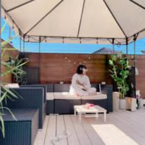 辻希美、家族で過ごす2日連続の自宅バルコニーランチの写真公開「半袖で過ごせる」