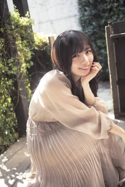 """日向坂46・齊藤京子、おひさまを浴びた""""笑顔""""SHOT公開サムネイル画像"""