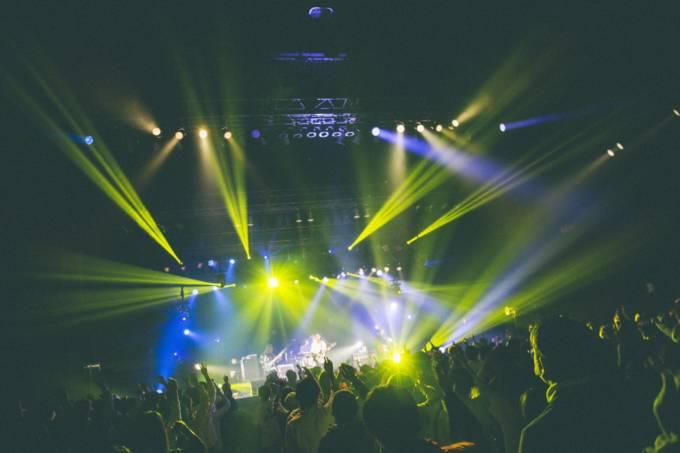 秋山黄色、Zepp Tokyo公演ライブ映像が配信決定&誕生日に「FIZZY POP STREAM」YouTube生配信