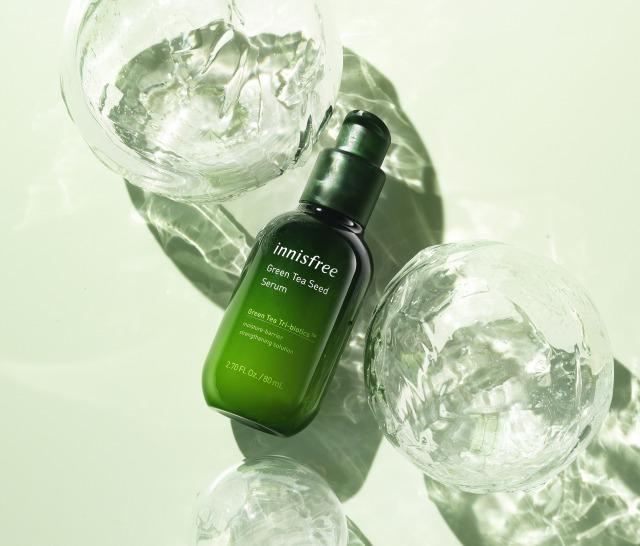 イニスフリーの導入美容液がリニューアル!潤いバリアをサポートする「グリーンティーシード セラム N」
