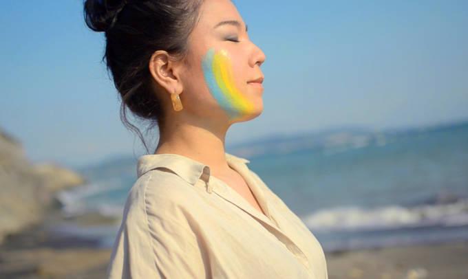沖縄出身アーティスト伊舎堂百花、新作MV『かな唄』をリリース