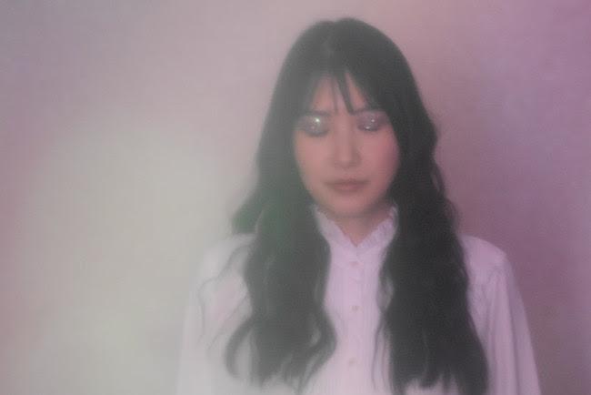 ヴァイオリニストKumi Takahara、メイクアーティストAya IwakamiとのコラボMV『Chant』を発表