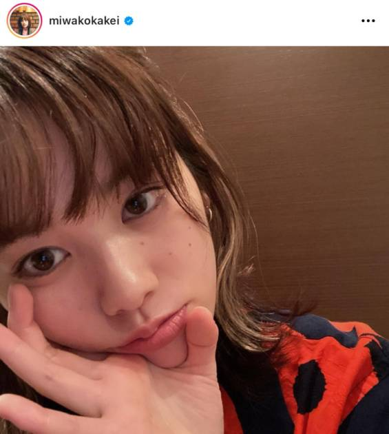 """「肌きれい」筧美和子、""""メッシュヘアー""""の顔アップSHOTに絶賛の声「似合う」「完璧」サムネイル画像!"""