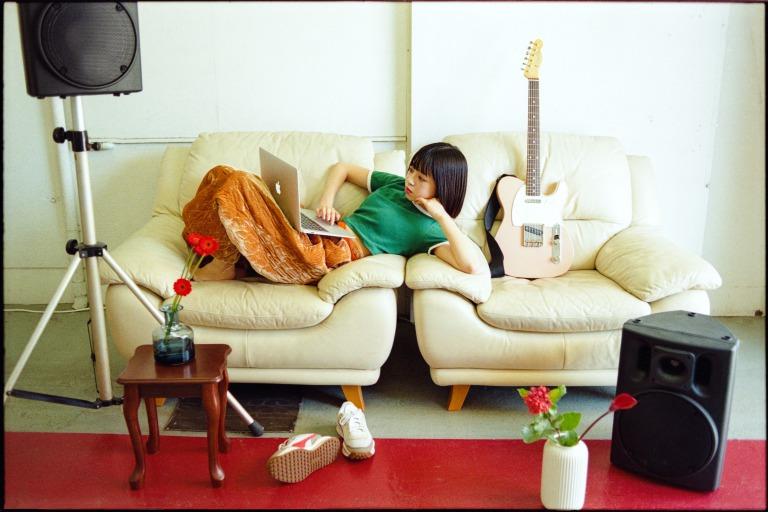 シンガーソングライター・ヨネコが、ん・フェニへ改名し、『SUMMER EP』を7月7日に初の全国流通リリースサムネイル画像!