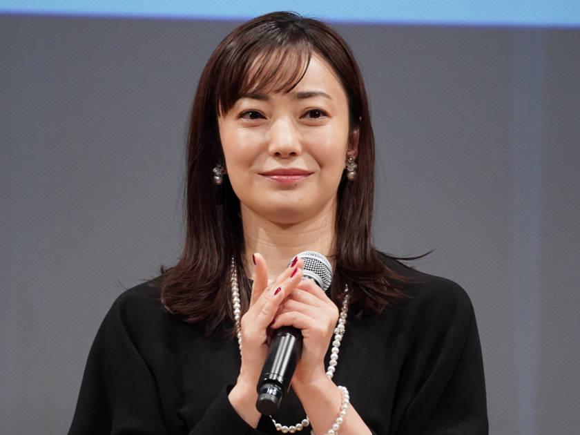 """2児の母・菅野美穂、""""子ども優先""""生活の苦労を明かす「もうかまっていられなくて…」サムネイル画像!"""
