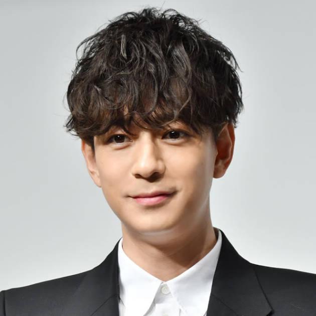 「顔小さい」三浦翔平、FENDIを着こなしたクールな姿にファン絶賛「目の保養です」サムネイル画像!