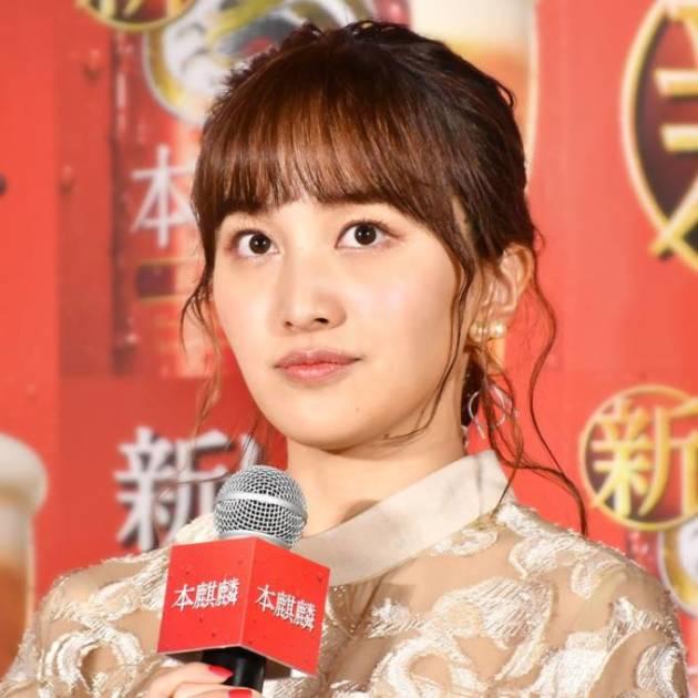 """「大人っぽ」ももクロ・百田夏菜子、デコだしヘアの""""笑顔SHOT""""に反響「どんどん美人さんに…」サムネイル画像!"""
