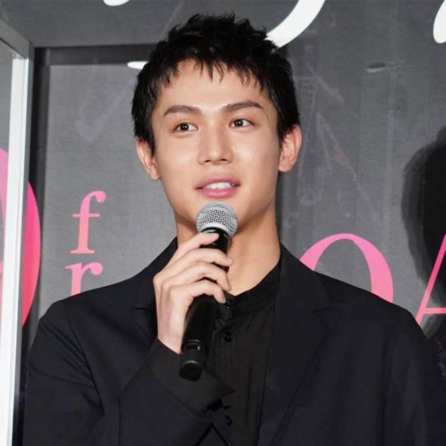 中川大志、お茶目顔のサングラスSHOTに反響「声が出ました」「なんて可愛いんだ」