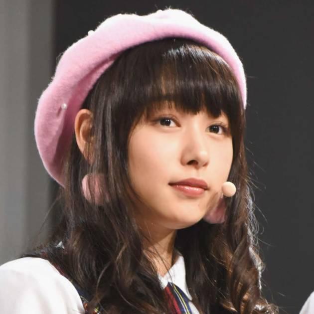「別人」桜井日奈子、長い前髪を流した顔アップSHOTに反響「色っぽい」「雰囲気変わるなぁ~」