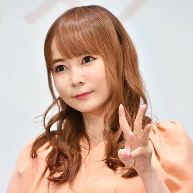 """中川翔子、""""実は足が震えてた""""緊張のリングアナSHOT公開「凛々しい」「女神降臨」"""