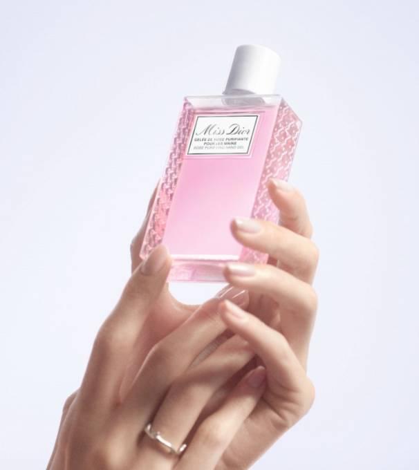 毎日に幸せな香りのひと時をもたらす「ミス ディオール ハンド ジェル」発売