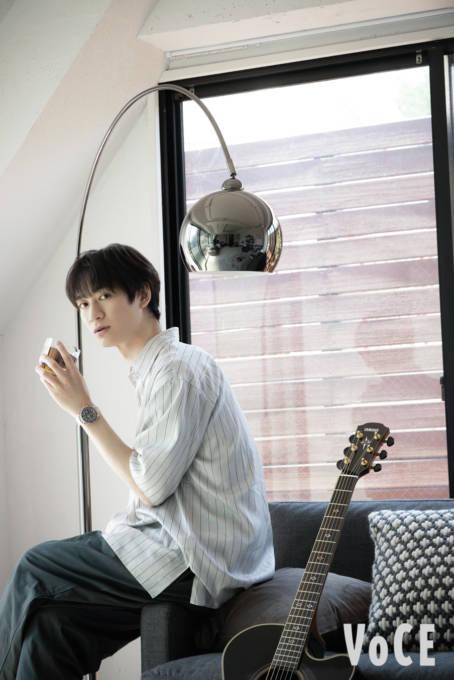 キスマイ宮田、お部屋SHOT&好きな時間を明かす「ギターを弾きながら…」