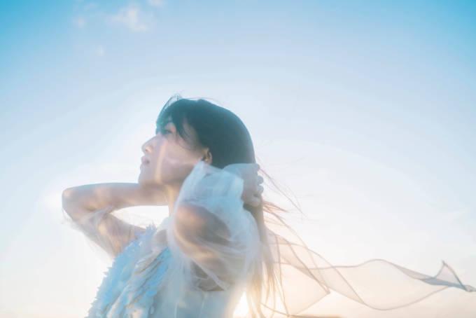 宮川愛李、メジャーデビュー2周年記念配信でワンマンライブ「月がよくみえる」開催を発表
