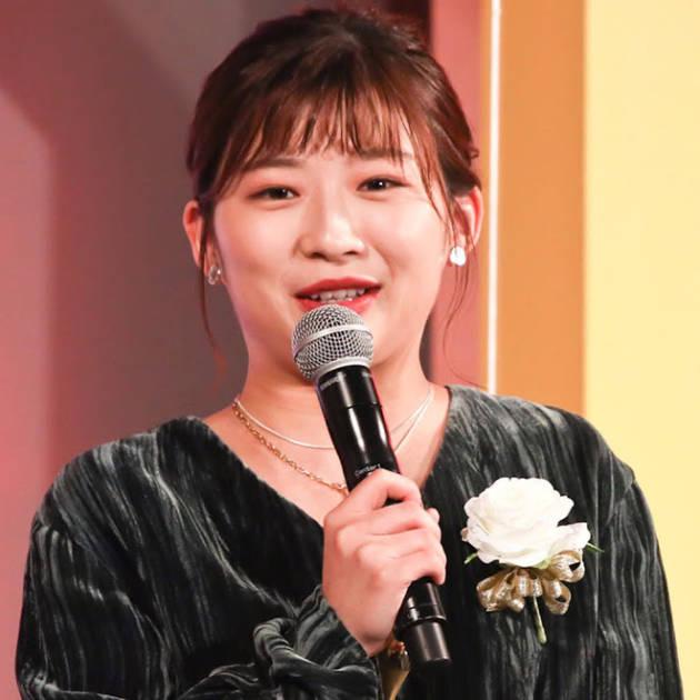 """伊藤沙莉、千葉雄大と""""ウエディングドレス""""姿の2SHOT公開し「末長くお幸せに」「2人とも可愛すぎる」サムネイル画像!"""